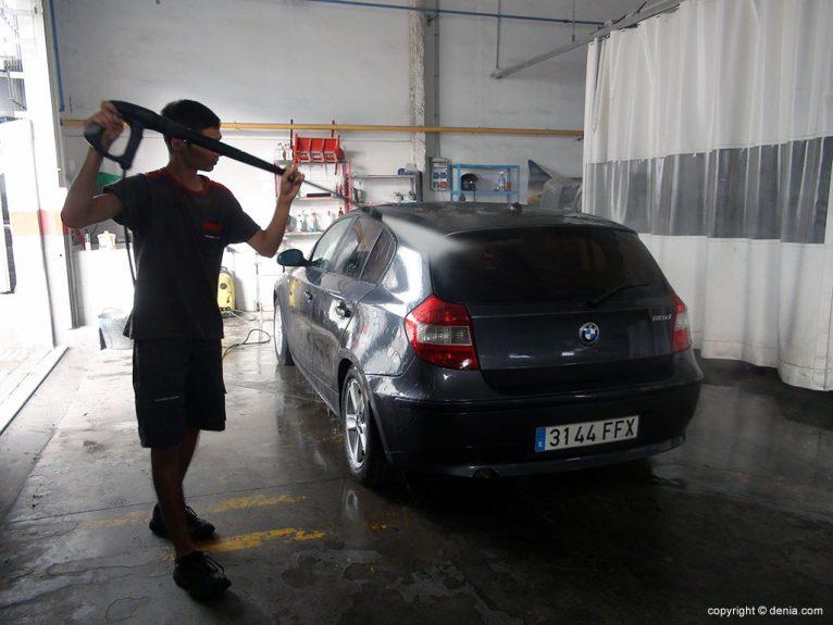 Tallers Salvà, neteja de vehicles