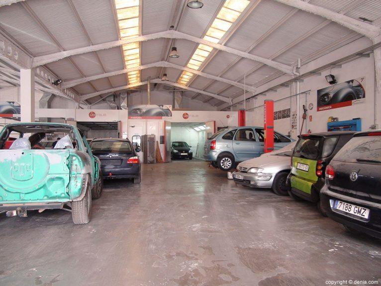 Tallers Salvà, taller mecànic, xapa i especialitzat en pintura per a cotxes Dénia