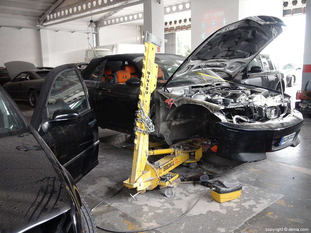 Tallers Salvà, taller mecànic per a cotxes de tot tipus i embarcacions
