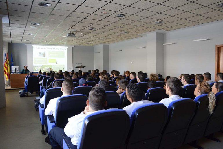 Estudiantes del CDT en la jornada Proyecto BioMoscatell