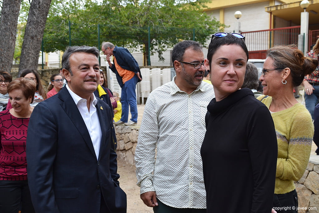 Chulvi con Elena Roig y Camprubí