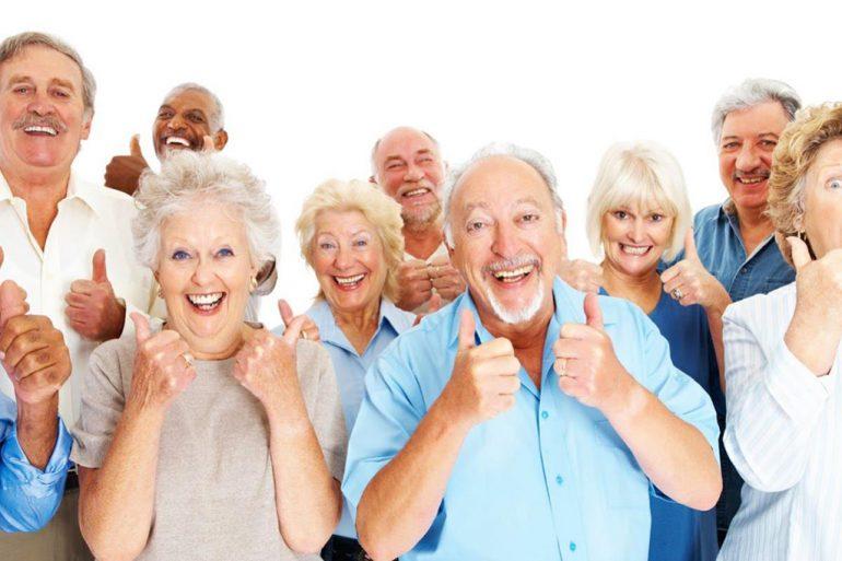 Grupo de personas mayores