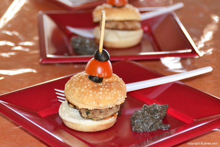 Mini hamburguesa de atún del Cande