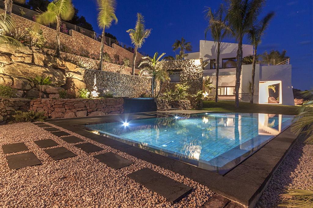 Piscina construida por gunitec en vivienda unifamiliar de for Gunitec piscinas
