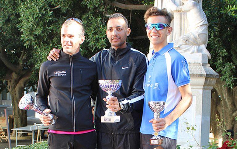 Ahatach junto a Soler y Arbona