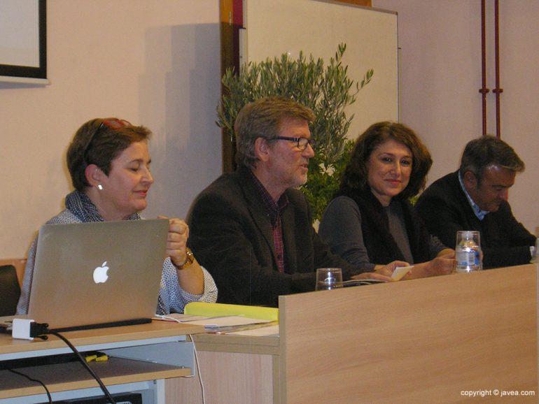 Mesa presidencial de la Escuela de Pares del IES Antoni Llidó