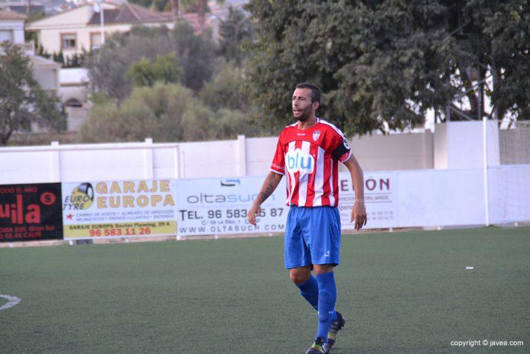 Javi no acertó a marcar el penalti que lanzó en Llosa