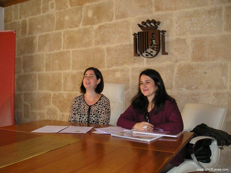 Montse Villaverde junto a Eugenia Bolufer
