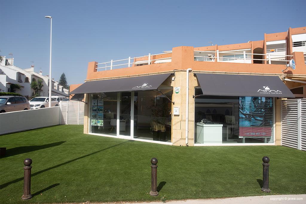Exterieur Atina Real Estate