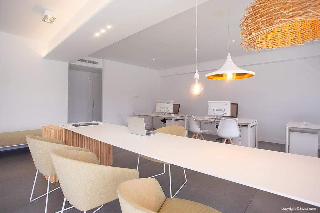 Interieur van het Atina Inmobiliaria-kantoor