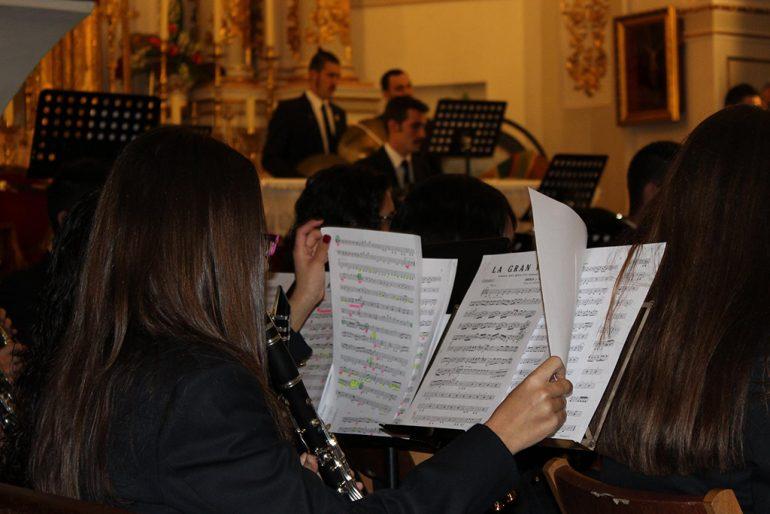 Alumnos de la escuela de música durante un concierto