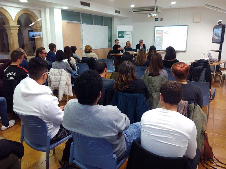 Asistentes a la Jornada de Derechos Humanos en Xàbia