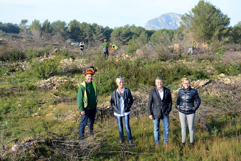 Chulvi con Mata y Courcelles visitando los trabajos en el Montgó