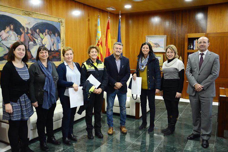 Chulvi con los representantes de las AMPAS