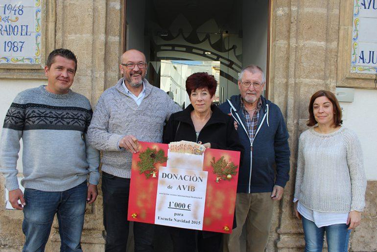 Donación de la Asociación de Vecinos Internacionales de Benitatxell