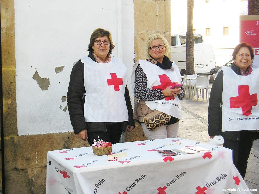 Mesa petitoria Cruz Roja Xàbia
