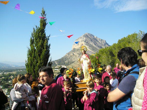 Imagen: Procesión en Santa Llúcia