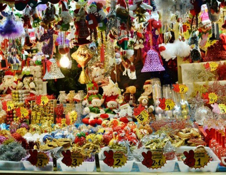 Puesto de un mercadillo de navidad
