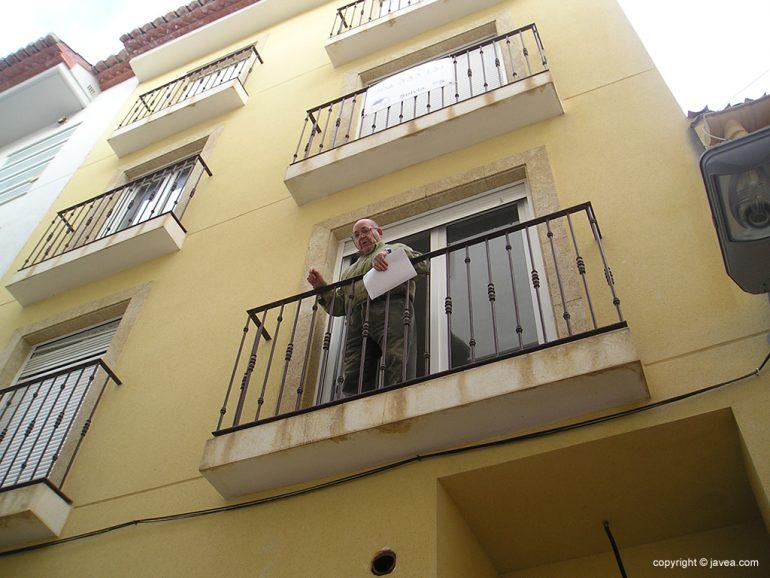 Manuel Mir en su casa de la calle  Favara