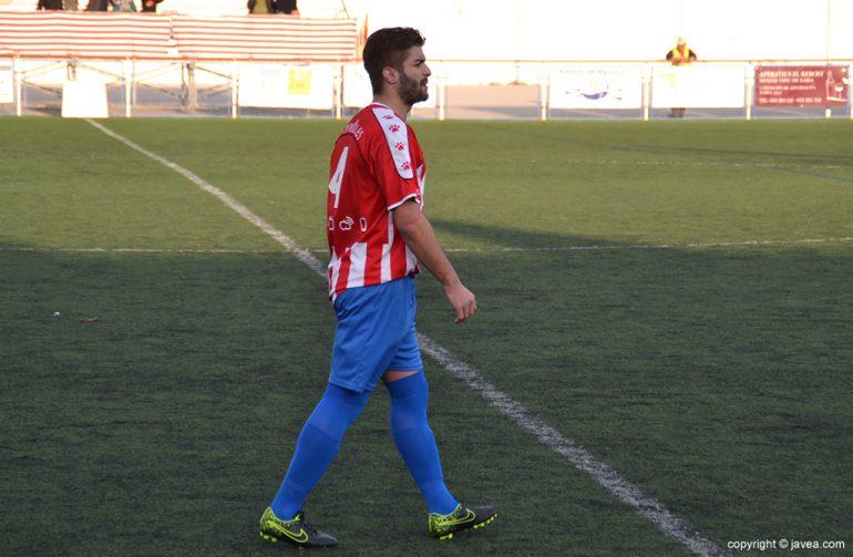 Rubén autor del gol del CD Jávea en Gandía