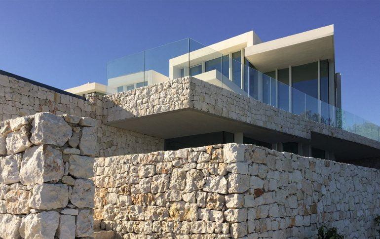 Muros piedra de Casa Sardinera