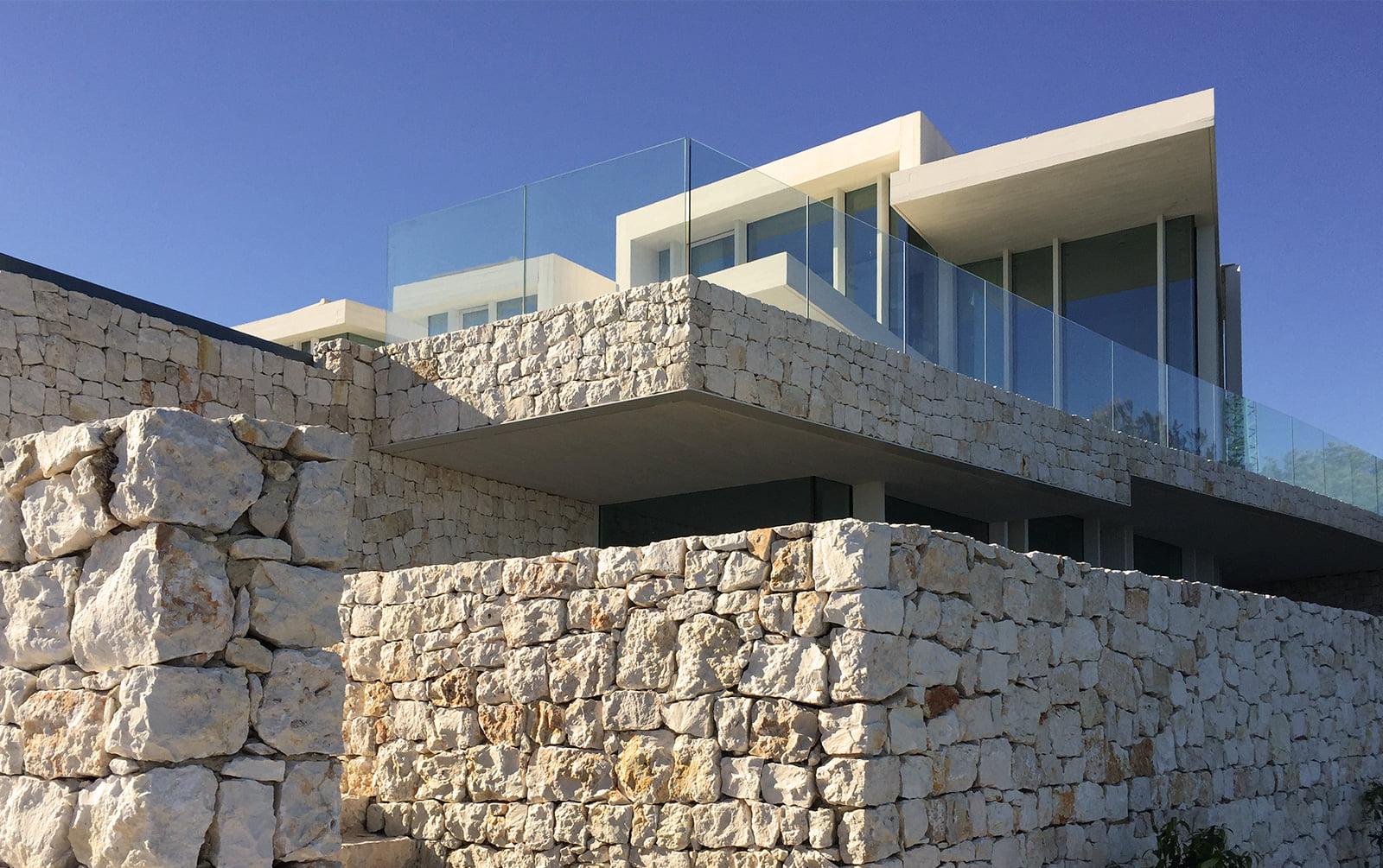 Muros piedra de casa sardinera j x - Muros de piedra construccion ...