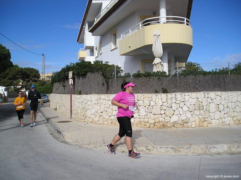 Esforzada atleta en La Caleta