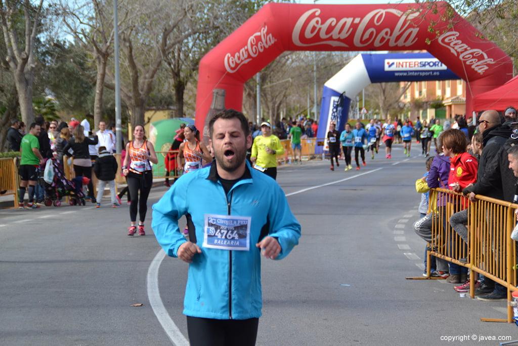 José Luis Bisquert entrando en meta