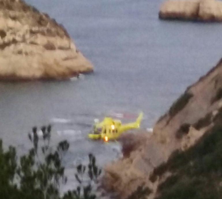 Helicóptero durante el rescate