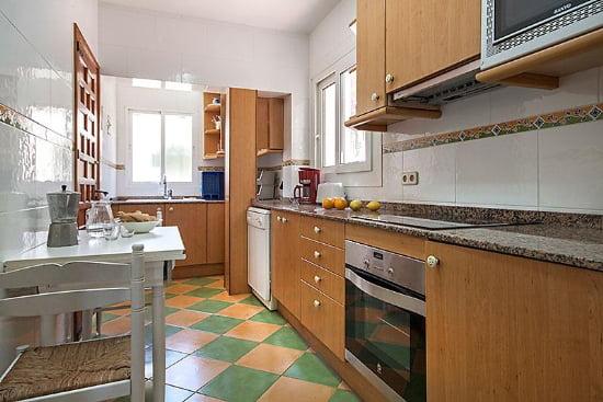 Cocina de la casa Sandra Aguila Rent a Villas