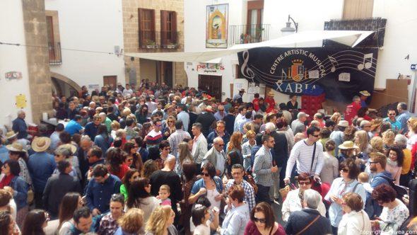 Imagen: Domingo Pascua - Lleno de público en los estands