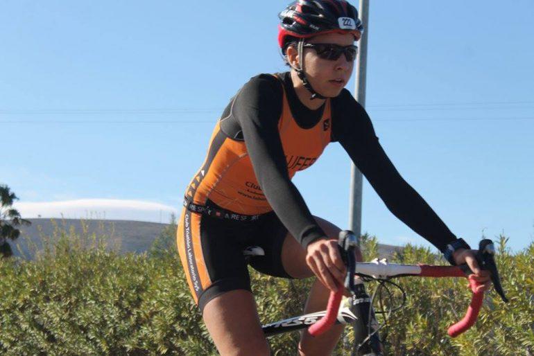 Irene Bolufer en la bicicleta