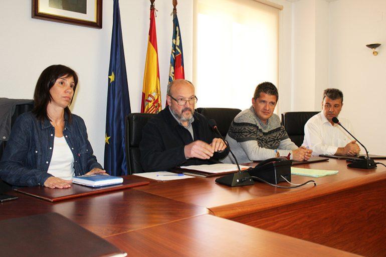 Josep Femenía con miembros de su equipo de gobierno