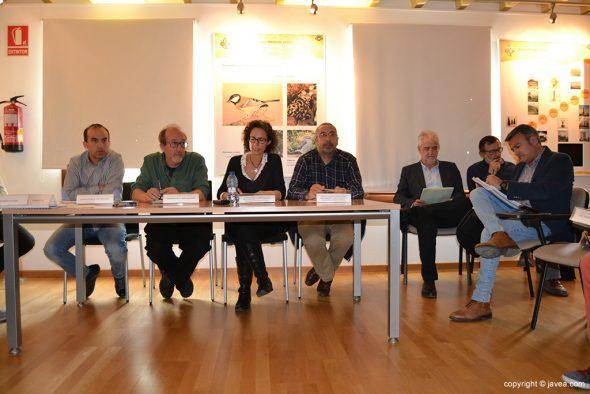 Imagen: Mesa presidencial de la Junta Rectora del Montgó