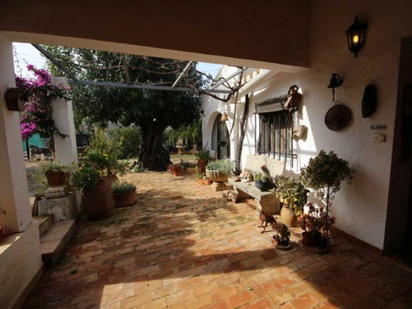 Precioso Jardin Atina Inmobiliaria