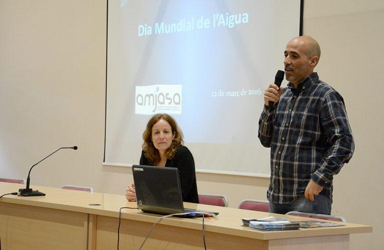 Tere Bou y Pascual Ladrón de Guevara durante la charla