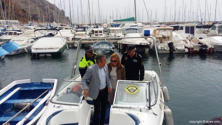 Chulvi, Gisbert y Monfort en la barca