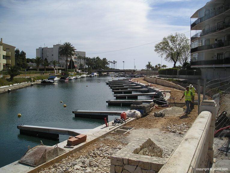 Obras de amarres en el Canal de La Fontana