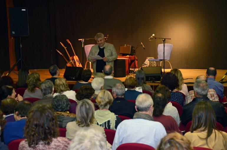 Quico Moragues presentando el Festival Xàbia Folk