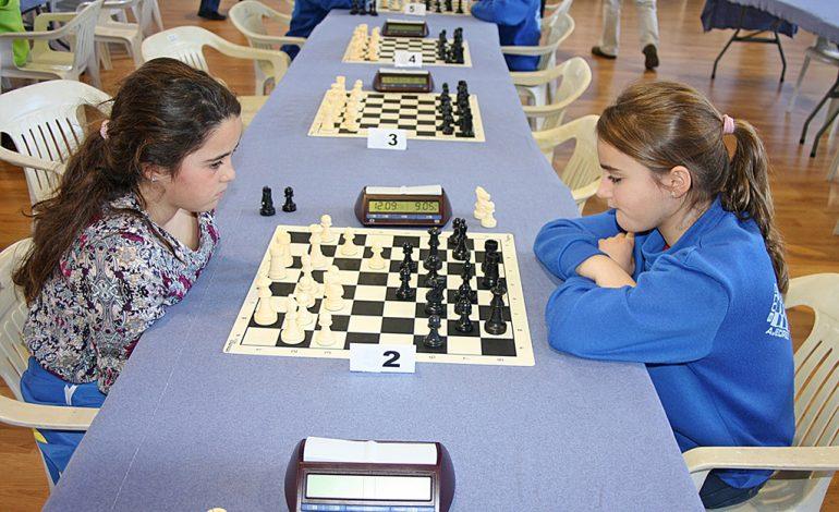 Rebeca Jiménez jugando ante Nieves Sanleón
