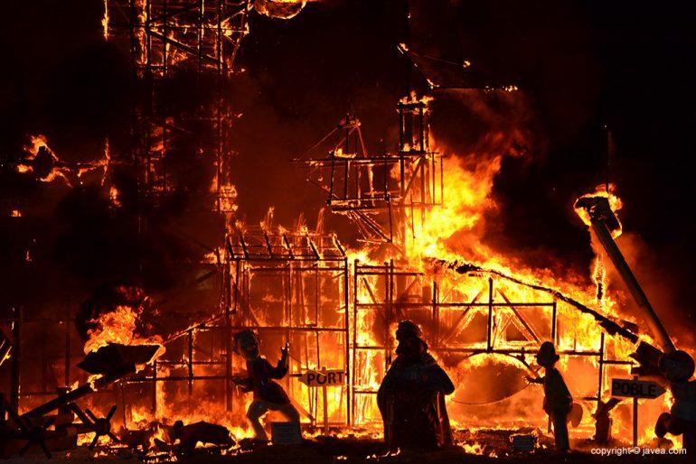 Cremà foguera grande 2015