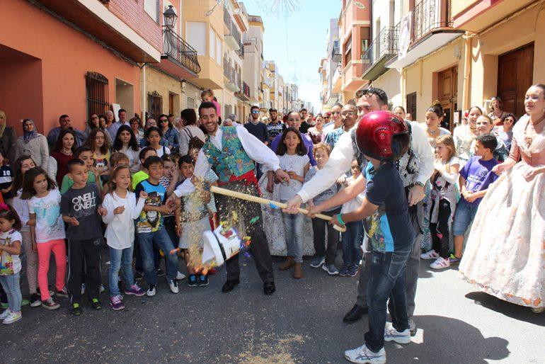 Cucañas infantiles en El Poble Nou de Benitatxell