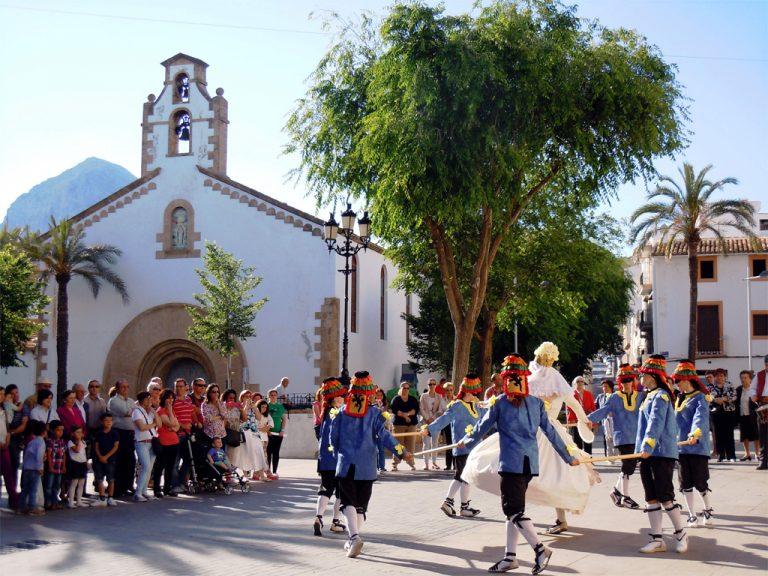Grup de Danses Portitxol en el Corpus