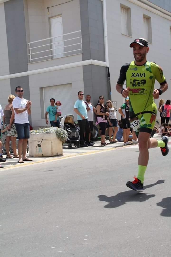 Javi Salmeron en el triatló de Oliva