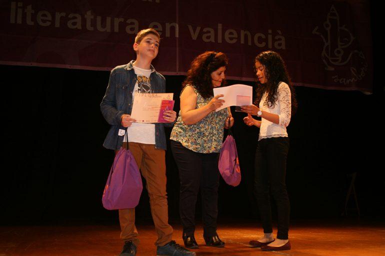 Liccy Sanz recogiendo el premio