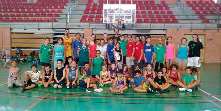 Participantes en el IV Campus de baloncesto del CB Joventut Xàbia