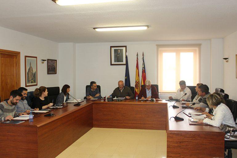 Pleno en el ayuntamiento de Benitatxell