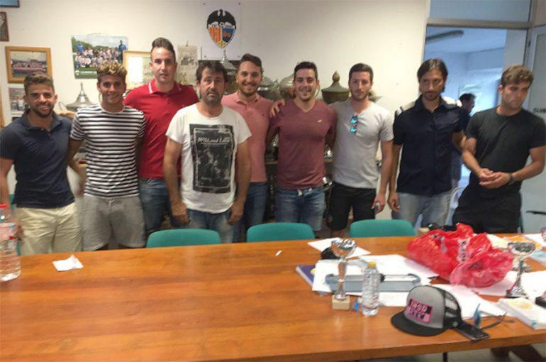 David Tiscar con algunos de los jugadores renovados