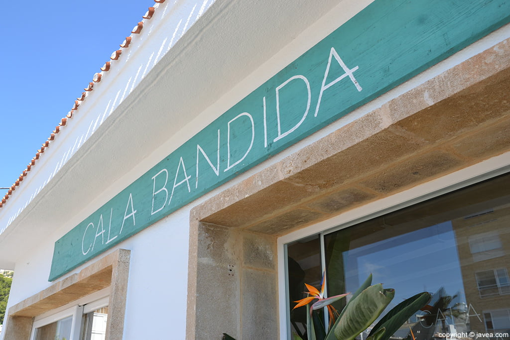 Fachada Cala Bandida
