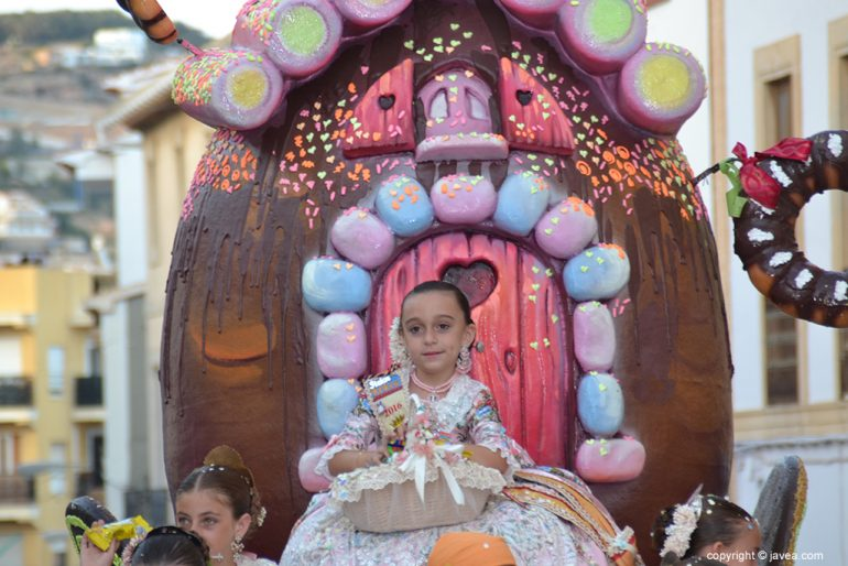 La reina infantil en su carroza